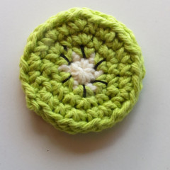 kiwi slice crocheted fruit
