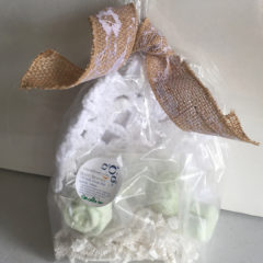 Gardenia Bath Bomb Fizzie Bag by VisualRiver